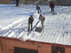 Уборка снега и льда в любое время суток!