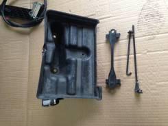 Крепление аккумулятора. Toyota Aristo, JZS161, JZS160