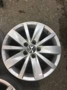 Накладка на колесный диск. Volkswagen Passat