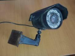 Камера видеонаблюдения - муляж. Менее 4-х Мп, с объективом