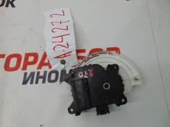 Мотор заслонки отопителя Toyota Avensis (T270)
