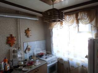 "2-комнатная, улица Некрасова 90б. Магазин ""Антарес"", агентство, 42 кв.м. Кухня"