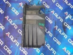Шторка радиатора Toyota Sienta, NCP81