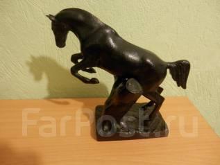 Конь сувенирный -черный