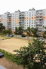 Гостинка, улица Липовая 2. Чуркин, агентство, 24 кв.м. Вид из окна днём