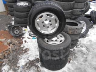 Комплект колес Bridgestone 215/70/15. 7.0x15 6x139.70 ЦО 110,0мм.