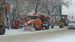 Уборка снега специализированной техникой