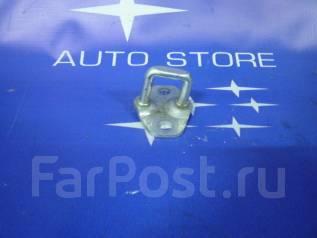 Замок багажника. Subaru Forester, SG, SG5, SG69, SG9, SG9L Двигатели: EJ20, EJ201, EJ202, EJ203, EJ204, EJ205, EJ20A, EJ20E, EJ20G, EJ20J, EJ25, EJ251...