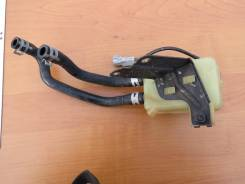 Бачок для тормозной жидкости. Toyota Ipsum Двигатель 3SFE
