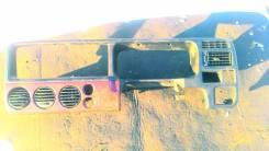 Консоль центральная. Honda Stepwgn, RF1 Двигатель B20B