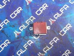 Блок управления дверьми Toyota Crown, JZS179