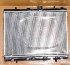 Радиатор охлаждения двигателя. Peugeot 208