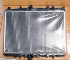 Радиатор охлаждения двигателя. Peugeot 607 Citroen C5
