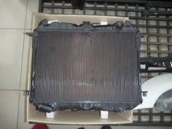 Радиатор охлаждения двигателя. Nissan Urvan Двигатели: TD25, TD23