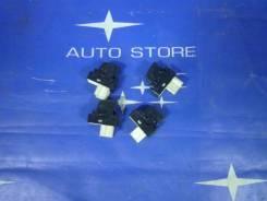 Кнопка стеклоподъемника. Subaru Forester, SG5, SG9, SG, SG9L Двигатели: EJ20, EJ25, EJ201, EJ202, EJ203, EJ204, EJ205, EJ251, EJ252, EJ253, EJ254, EJ2...