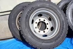 Bridgestone W910. Зимние, без шипов, 2011 год, износ: 30%, 2 шт
