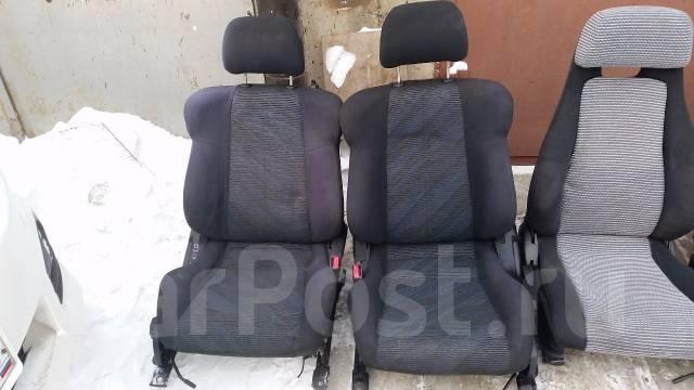 передние сиденья на toyota cynos