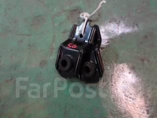 Крепление радиатора. Subaru Forester, SG