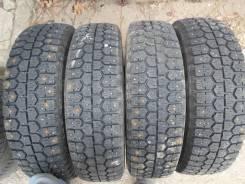 Bridgestone WT14. Зимние, шипованные, 2012 год, износ: 10%, 4 шт