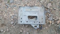 Кронштейн под аккумулятор. Honda Legend, KB1, KB2, DBA-KB2, DBA-KB1, DBAKB1, DBAKB2 Двигатели: J37A3, J35A8, J35A, J37A, J37A2, J35A J37A
