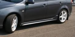Порог пластиковый. Mitsubishi Lancer