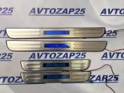 Порог пластиковый. Toyota RAV4