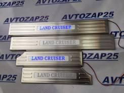 Порог пластиковый. Toyota Land Cruiser