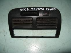 Консоль центральная. Toyota Camry, SV43