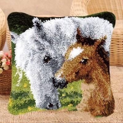 Картинки по запросу вышивка в ковровой технике
