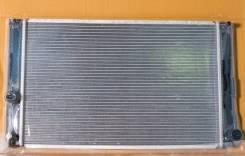 Радиатор охлаждения двигателя. Lexus CT200h Toyota Prius, ZVW30