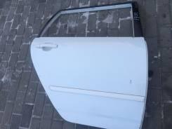 Дверь задняя правая белая Toyota Corolla Fielder NZE121