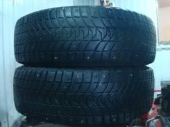 Michelin X-Ice North 3. Зимние, шипованные, 2013 год, износ: 30%, 2 шт