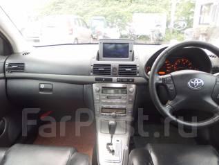 Бардачок. Toyota Avensis, AZT250, AZT251 Двигатель 2AZFSE
