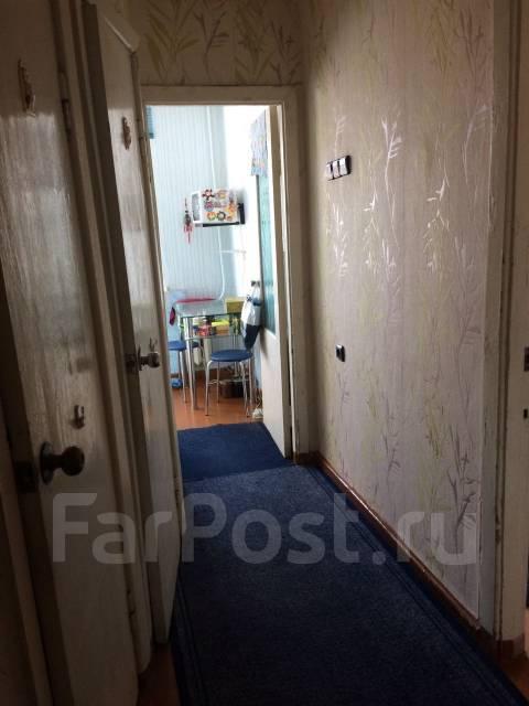 2-комнатная, улица Орджоникидзе 10а. Кировский, агентство, 46 кв.м. Прихожая