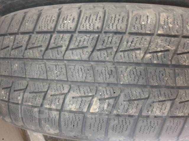Bridgestone. Зимние, без шипов, износ: 50%, 2 шт