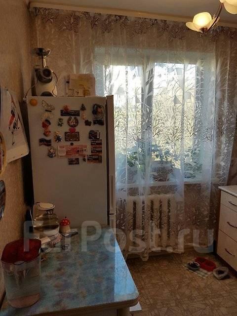 2-комнатная, улица Космонавтов 17. Тихая, агентство, 46 кв.м.