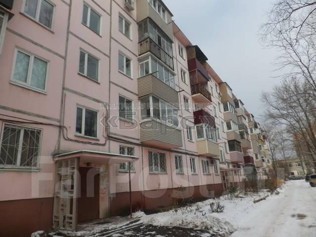 2-комнатная, улица Кутузова 8б. Вторая речка, проверенное агентство, 45 кв.м. Дом снаружи
