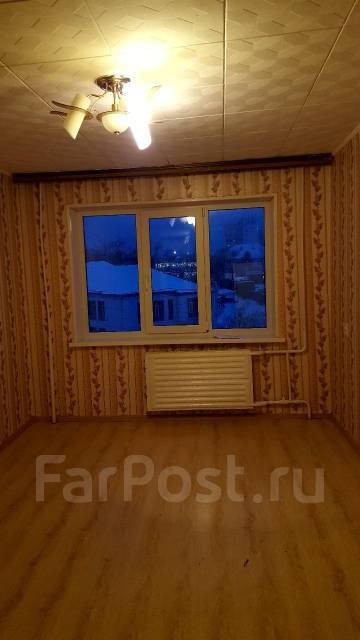 Гостинка, улица Надибаидзе 26. Чуркин, частное лицо, 24 кв.м. Вид из окна днём