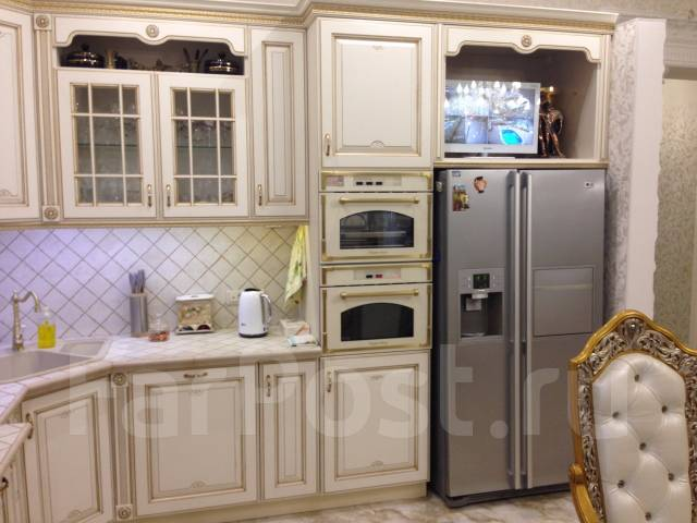 Продается 2-этажный дом в центре. (Дубинка). Улица Ким 97, р-н Центральный, площадь дома 330 кв.м., централизованный водопровод, отопление централизо...