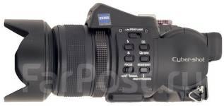 Sony Cyber-shot DSC-F828. 8 - 8.9 Мп, зум: 7х