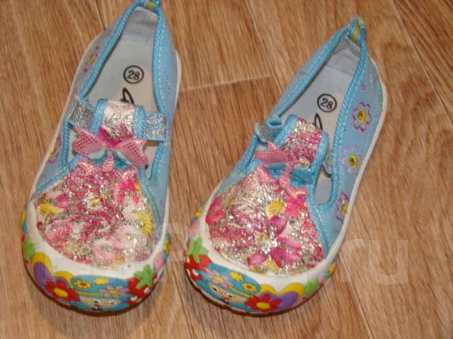 Лот обуви для девочки! Сандалики, кроссовки, туфельки (17-18см стелька). 26, 27, 28