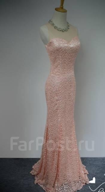 Платья вечерние. 44