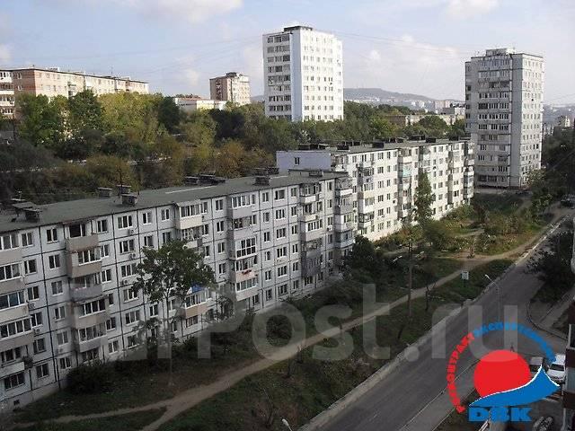 2-комнатная, улица Кирова 49. Вторая речка, агентство, 44 кв.м. Вид из окна днем