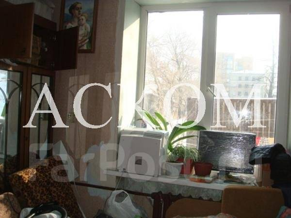 3-комнатная, улица Сафонова 3. Борисенко, агентство, 64 кв.м.