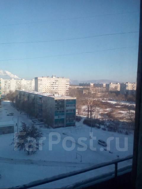 3-комнатная, аллея Труда 59. Центральный, частное лицо, 62 кв.м. Вид из окна днём