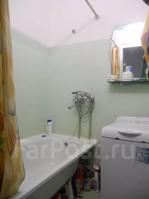 3-комнатная, улица Замараева 25. Центр, частное лицо, 64 кв.м. Сан. узел