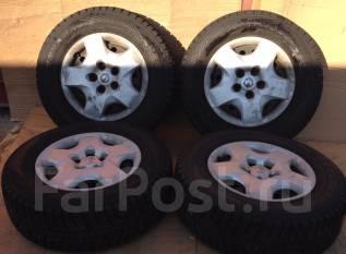 Практически новый комплект зимних шин 2012 год остаток 98% Japan. x15