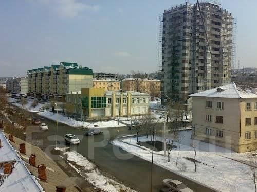 Сдаются помещения от собственника 330 руб. м. кв. Улица Лазо 11, р-н Центр, 33 кв.м., цена указана за квадратный метр в месяц. Вид из окна