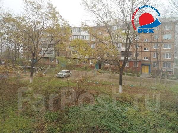 2-комнатная, улица Сахалинская 53а. Тихая, агентство, 45 кв.м. Вид из окна днём