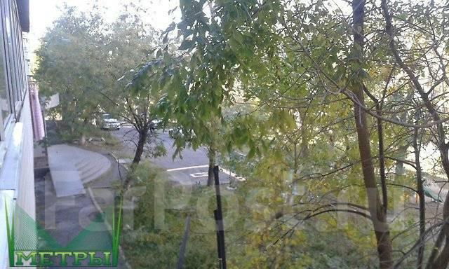 2-комнатная, улица Калинина 21. Чуркин, агентство, 44 кв.м. Вид из окна днём